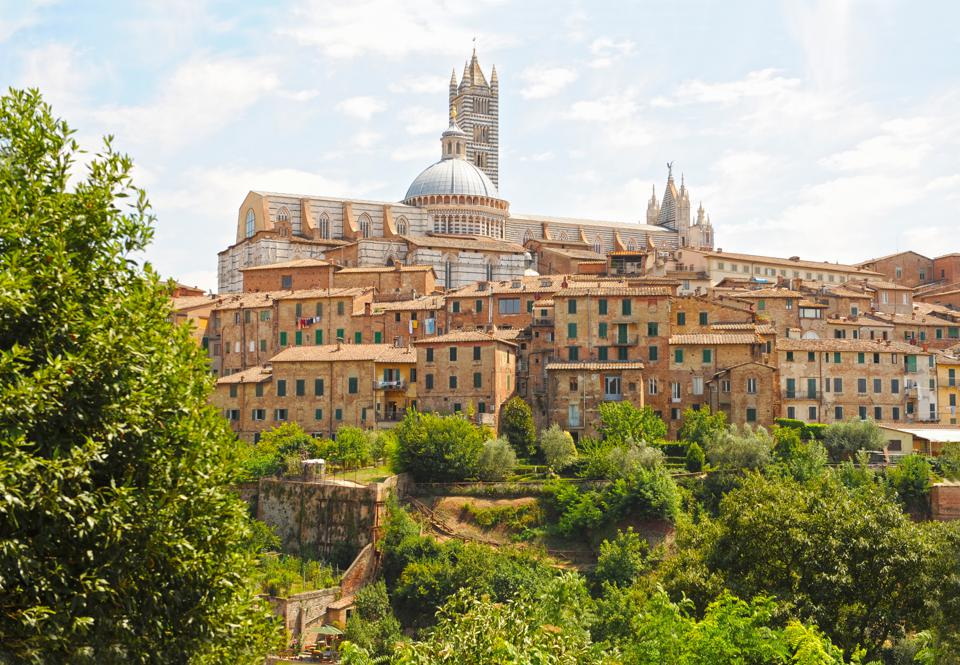 Medieval houses and the Siena cathedral